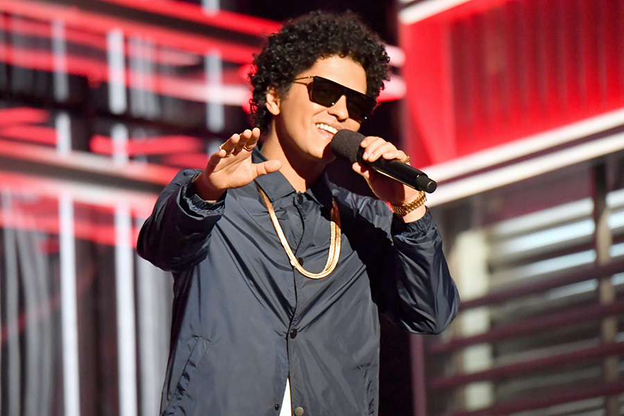 Bruno Mars, Bring Back These Songs On The 24k Magic Tour | setlist fm