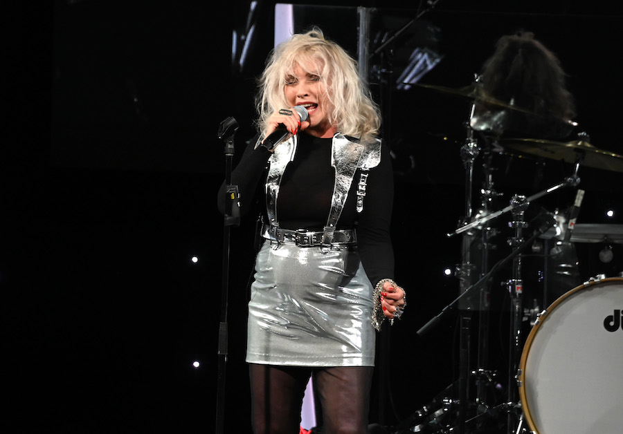 "Blondie Cover ""Old Town Road"" at Tour Kickoff w/ Elvis ..."